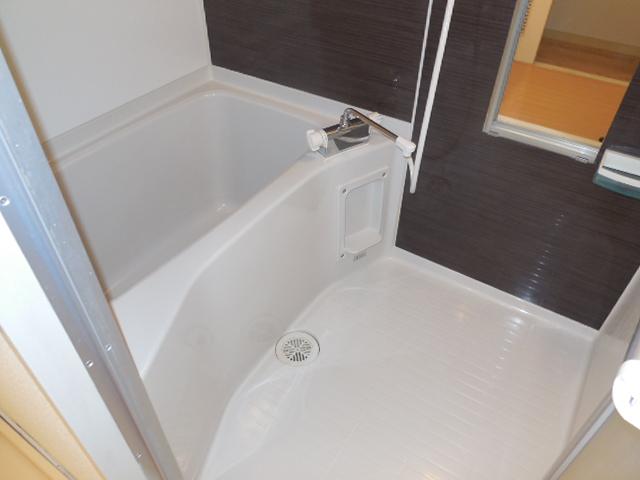 暗い浴室写真(悪い例)