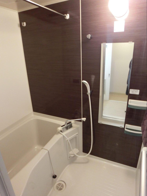 明るい浴室写真(良い例)